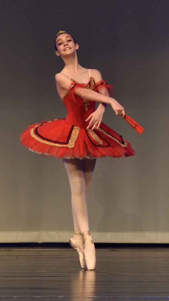 Ballerinas in red