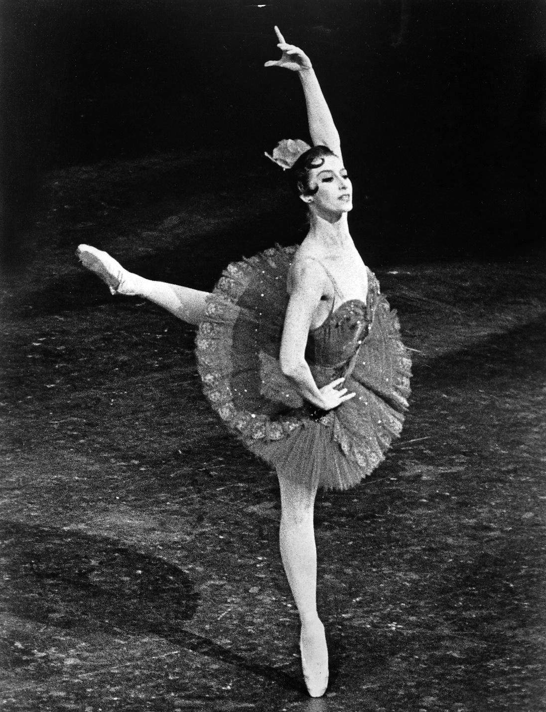 Mari balerini Maya